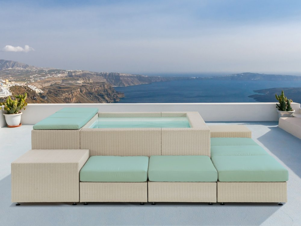 Dolcevita Playa by Splash Pools, showing off it's luxury lounger